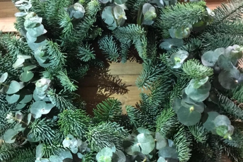Large Deluxe Fresh Christmas Wreath